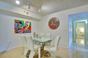 Additional photo for property listing at 3143 Clint Moore Road 3143 Clint Moore Road Boca Raton, Florida 33496 États-Unis