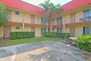 Additional photo for property listing at 135 NE 1st Ave Unit 7 135 NE 1st Ave Unit 7 Delray Beach, Florida 33444 Estados Unidos
