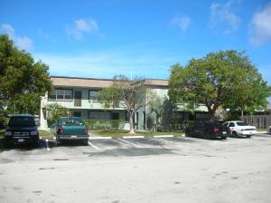 متعددة للعائلات الرئيسية للـ Sale في 2255 SE 5th Street 2255 SE 5th Street Pompano Beach, Florida 33062 United States