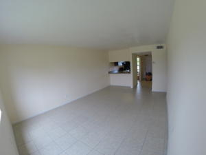 Additional photo for property listing at 5040 Palm Hill Drive 5040 Palm Hill Drive West Palm Beach, Florida 33415 États-Unis