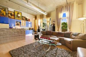 共管式独立产权公寓 为 销售 在 185 NE 4th Avenue 185 NE 4th Avenue 德尔雷比奇海滩, 佛罗里达州 33483 美国