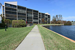 Condominium for Rent at Twelve Oaks, 11370 Twelve Oaks Way 11370 Twelve Oaks Way North Palm Beach, Florida 33408 United States