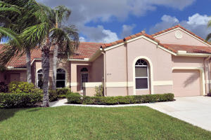Single Family Home for Rent at 802 Sabal Palm Lane 802 Sabal Palm Lane Palm Beach Gardens, Florida 33418 United States