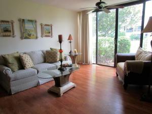 Eigentumswohnung für Mieten beim GOLF VILLAS, 2400 S Ocean Drive 2400 S Ocean Drive Fort Pierce, Florida 34949 Vereinigte Staaten