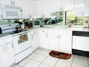 Additional photo for property listing at 7847 Lakeside Boulevard 7847 Lakeside Boulevard Boca Raton, Florida 33434 Estados Unidos