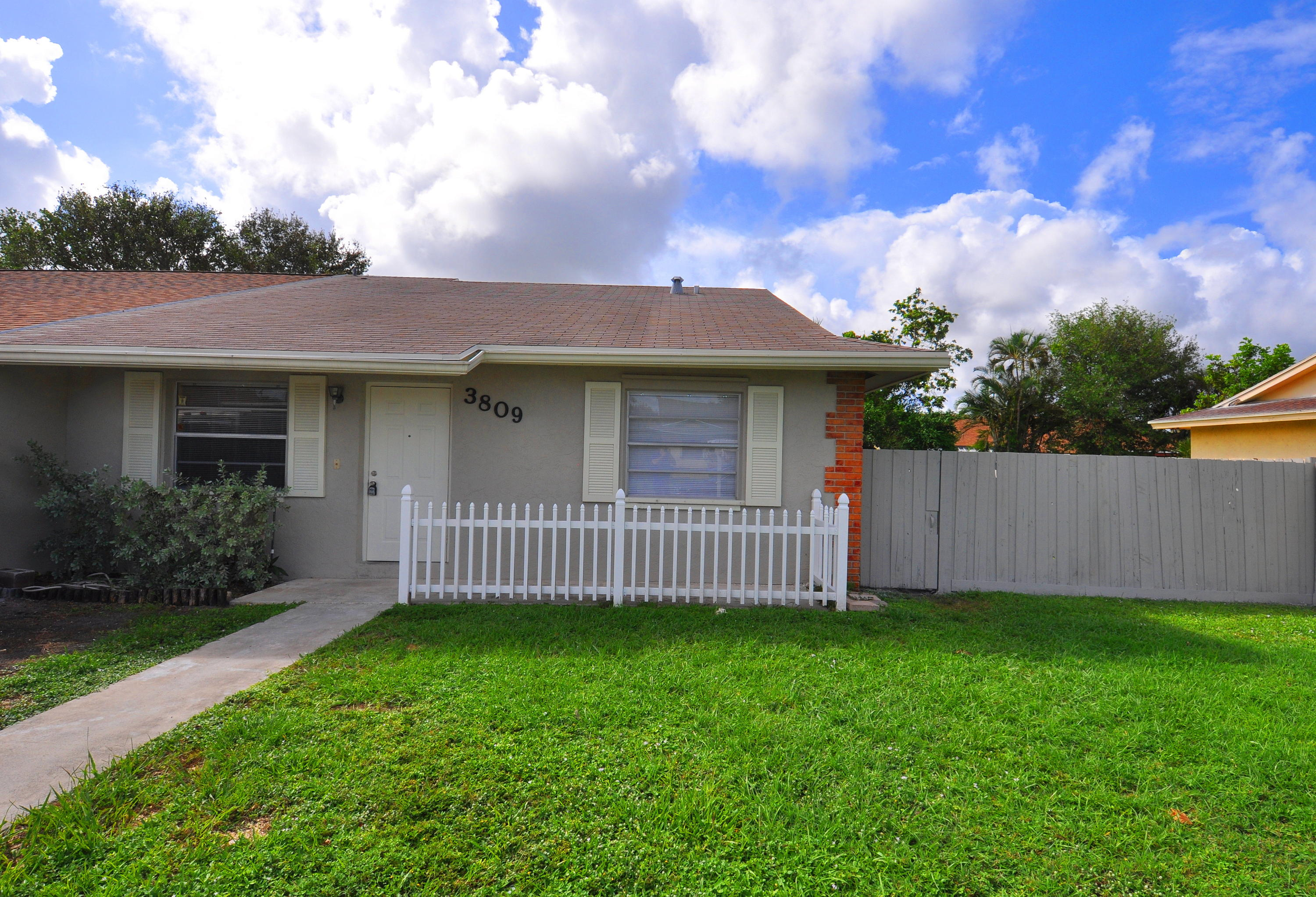 3809 Van Cott Circle West Palm Beach, FL 33403