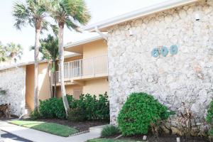 Eigentumswohnung für Mieten beim Ocean Villas II, 2400 S Ocean Drive 2400 S Ocean Drive Fort Pierce, Florida 34949 Vereinigte Staaten