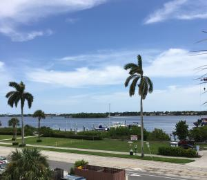 Additional photo for property listing at 3915 S Flagler Drive 3915 S Flagler Drive West Palm Beach, Florida 33405 Estados Unidos