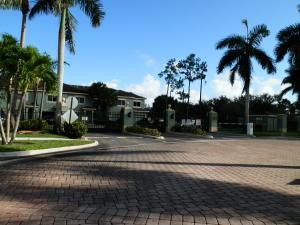 Condomínio para Locação às 350 Crestwood Circle 350 Crestwood Circle Royal Palm Beach, Florida 33411 Estados Unidos