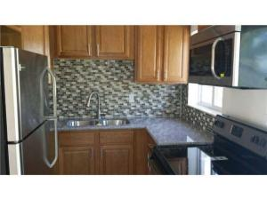 Additional photo for property listing at 789 Hibiscus Drive 789 Hibiscus Drive Royal Palm Beach, Florida 33411 Vereinigte Staaten