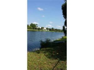 Additional photo for property listing at 789 Hibiscus Drive 789 Hibiscus Drive Royal Palm Beach, Florida 33411 États-Unis