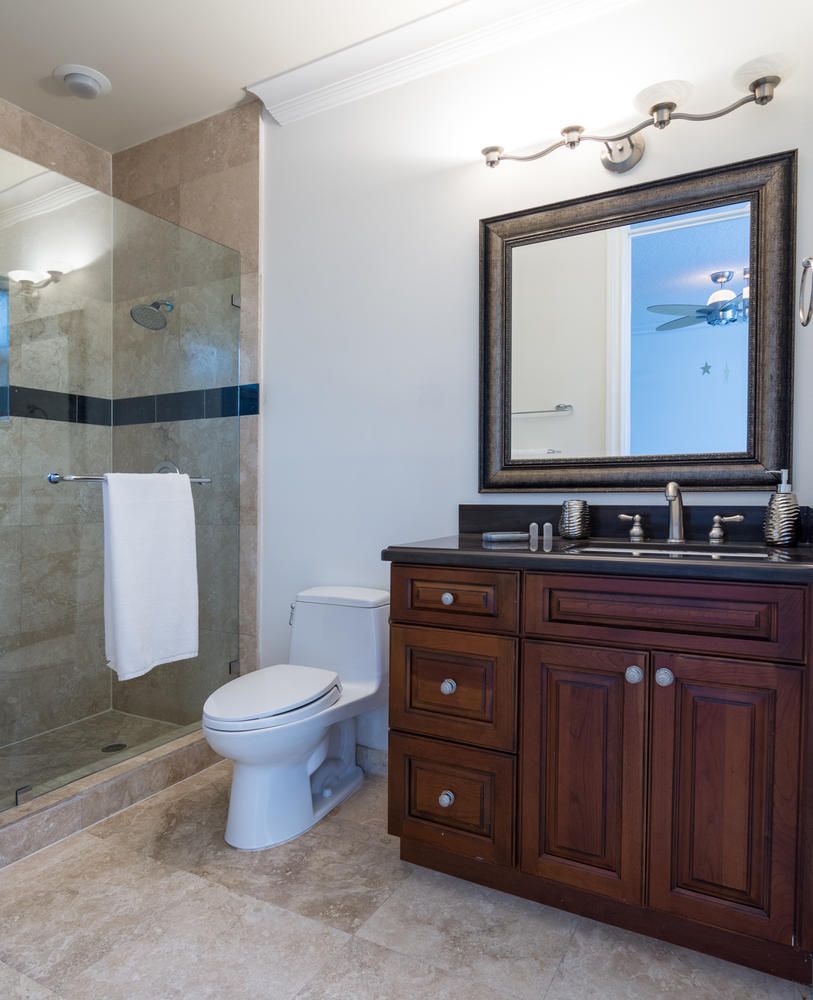 1st guest bathroom