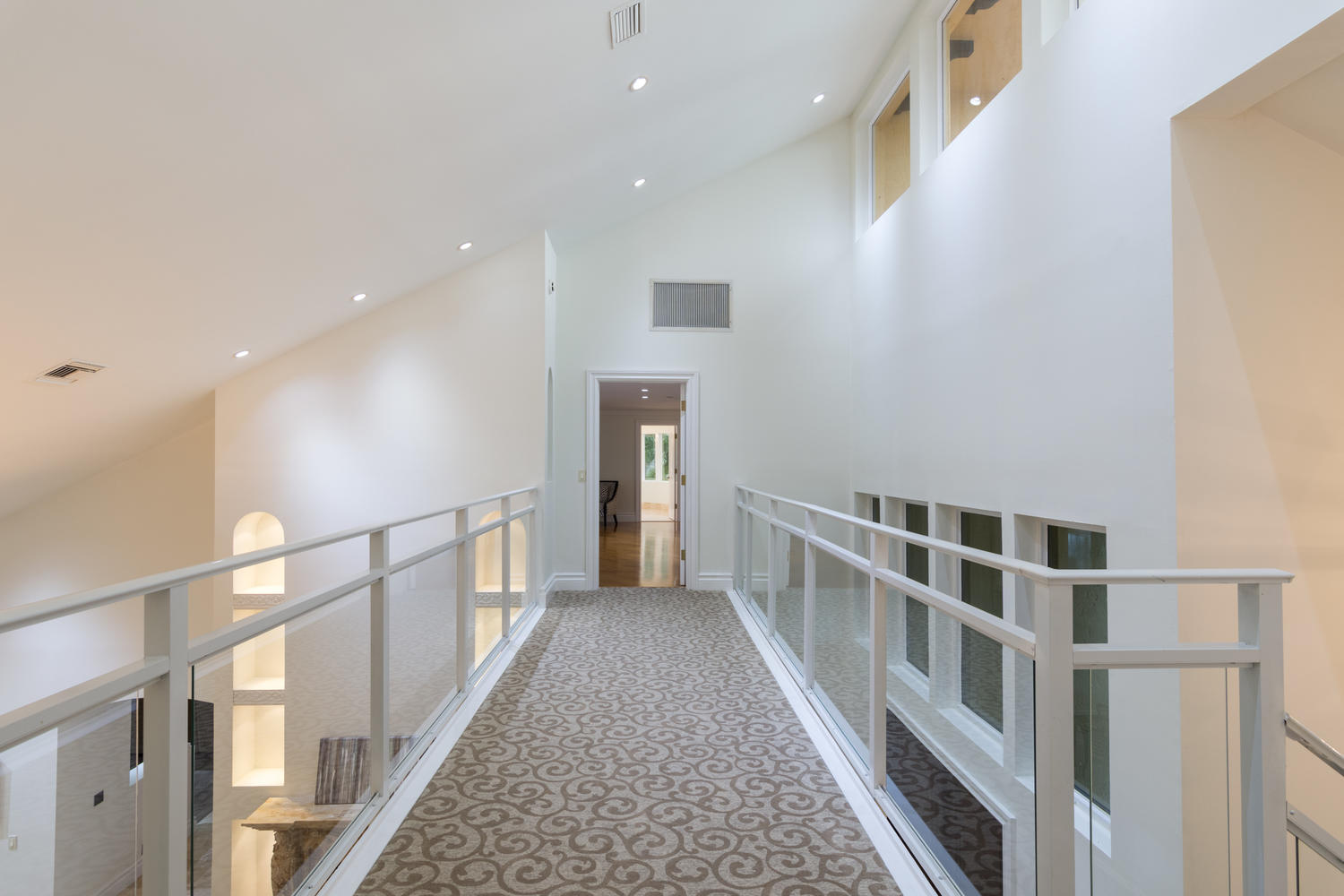 hallway upstairs to master wing