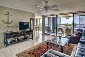 Condomínio para Locação às 120 Lakeshore Drive 120 Lakeshore Drive North Palm Beach, Florida 33408 Estados Unidos