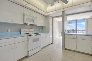 Additional photo for property listing at 120 Lakeshore Drive 120 Lakeshore Drive 北棕榈滩, 佛罗里达州 33408 美国