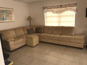 共管式独立产权公寓 为 出租 在 416 Burgundy I 416 Burgundy I 德尔雷比奇海滩, 佛罗里达州 33484 美国