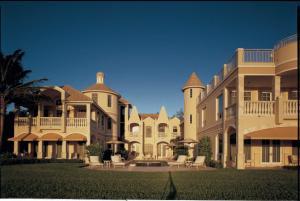 Casa para uma família para Venda às 611 S Ocean Boulevard 611 S Ocean Boulevard Delray Beach, Florida 33483 Estados Unidos