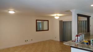 Additional photo for property listing at 8107 Big Pine Way 8107 Big Pine Way Riviera Beach, Florida 33407 Vereinigte Staaten