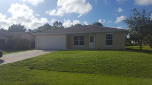 Additional photo for property listing at 372 SW Butler Avenue 372 SW Butler Avenue Port St. Lucie, Florida 34983 Vereinigte Staaten