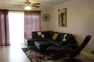 Additional photo for property listing at 800 E Camino Real 800 E Camino Real Boca Raton, Florida 33432 United States