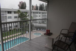 Additional photo for property listing at 800 E Camino Real 800 E Camino Real 博卡拉顿, 佛罗里达州 33432 美国