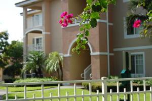Condomínio para Locação às 6573 Emerald Dunes Drive 6573 Emerald Dunes Drive West Palm Beach, Florida 33411 Estados Unidos