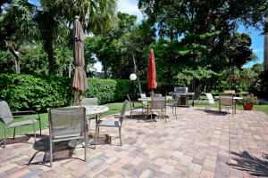 Additional photo for property listing at 951 De Soto Road 951 De Soto Road Boca Raton, Florida 33432 United States