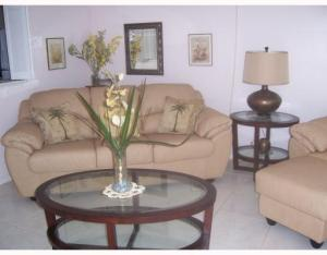 Additional photo for property listing at 27 Camden B 27 Camden B West Palm Beach, Florida 33417 United States