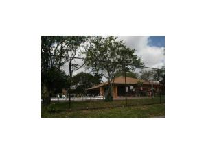 Additional photo for property listing at 4221 NW 19th Street 4221 NW 19th Street Lauderhill, Florida 33313 Estados Unidos