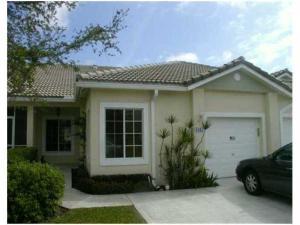 Casa Unifamiliar por un Alquiler en WATERWAYS, 1092 SW 42 Avenue 1092 SW 42 Avenue Deerfield Beach, Florida 33442 Estados Unidos