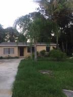 Casa Unifamiliar por un Alquiler en 7404 Arthurs Road 7404 Arthurs Road Fort Pierce, Florida 34950 Estados Unidos