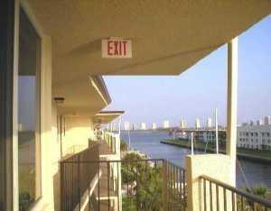 共管式独立产权公寓 为 出租 在 PARADISE VILLAS, 108 Paradise Harbour Boulevard 108 Paradise Harbour Boulevard 北棕榈滩, 佛罗里达州 33408 美国
