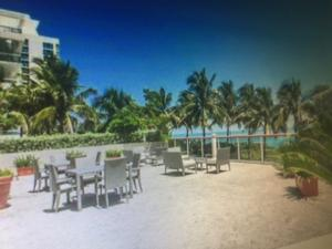 Additional photo for property listing at 6767 Collins Avenue 6767 Collins Avenue Miami Beach, Florida 33141 Estados Unidos