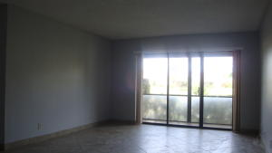 Additional photo for property listing at 723 Sunny Pine Way 723 Sunny Pine Way Greenacres, Florida 33415 United States