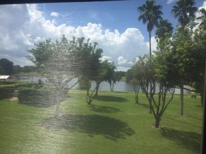 共管式独立产权公寓 为 出租 在 Huntington Lakes, 6936 Huntington Lane 6936 Huntington Lane 德尔雷比奇海滩, 佛罗里达州 33446 美国