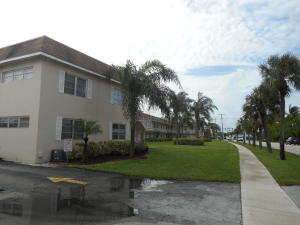 Commercial for Sale at 1400 S Broadway 1400 S Broadway Lantana, Florida 33462 United States