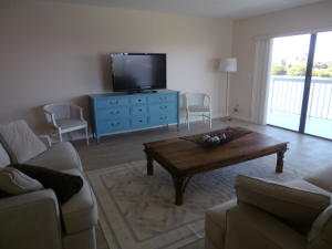 Additional photo for property listing at 3501 S Ocean Boulevard 3501 S Ocean Boulevard South Palm Beach, Florida 33480 United States