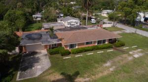 Maison avec plusieurs logements pour l Vente à 2145 S Military Trail 2145 S Military Trail West Palm Beach, Florida 33415 États-Unis