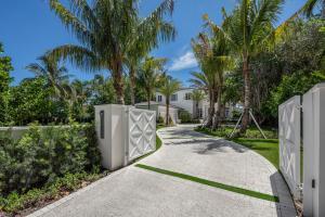 واحد منزل الأسرة للـ Sale في 3501 N Ocean Boulevard 3501 N Ocean Boulevard Gulf Stream, Florida 33483 United States