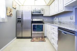 Property for sale at 2515 NE 2Nd Court Unit: 318, Boynton Beach,  FL 33435
