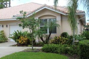 Casa para uma família para Locação às 369 W Coral Trace Circle 369 W Coral Trace Circle Delray Beach, Florida 33445 Estados Unidos