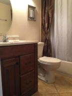 Additional photo for property listing at 84 Berkshire D 84 Berkshire D West Palm Beach, Florida 33417 États-Unis