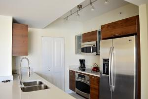 Additional photo for property listing at 480 Hibiscus Street 480 Hibiscus Street West Palm Beach, Florida 33401 Estados Unidos
