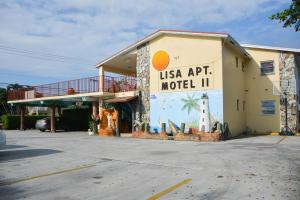Commercial for Sale at 727 S Federal Highway 727 S Federal Highway Lake Worth, Florida 33460 United States