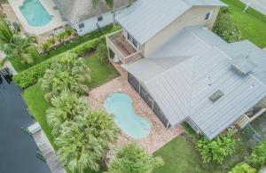 Casa Unifamiliar por un Venta en 1739 SW Dyer Point Road 1739 SW Dyer Point Road Palm City, Florida 34990 Estados Unidos
