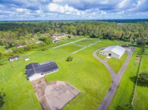 Additional photo for property listing at 1752 C Road 1752 C Road Loxahatchee Groves, Florida 33470 Estados Unidos