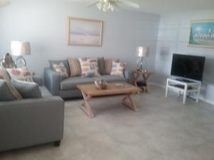 Condominium for Rent at Kings Point, 118 Normandy 118 Normandy Delray Beach, Florida 33484 United States