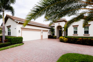 Additional photo for property listing at 9956 SW Nuova Way 9956 SW Nuova Way Port St. Lucie, Florida 34986 Estados Unidos