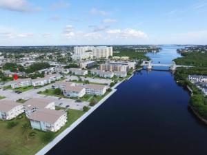 Condomínio para Locação às Sterling Village, 560 Horizons 560 Horizons Boynton Beach, Florida 33435 Estados Unidos