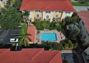 Residência urbana para Locação às College Park NA, 2502 N Dixie Highway 2502 N Dixie Highway Lake Worth, Florida 33460 Estados Unidos